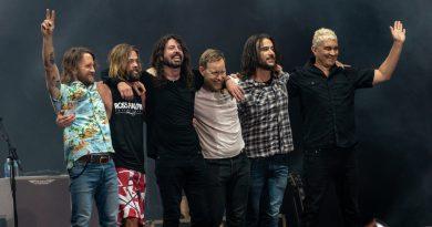 """Rockerii de la Foo Fighters, acuzați de """"segregaționism"""" după un concert doar pentru fanii vaccinați anti-Covid"""